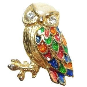 Jewelry - Vintage Owl Gold Tone Brooch Lapel Pin